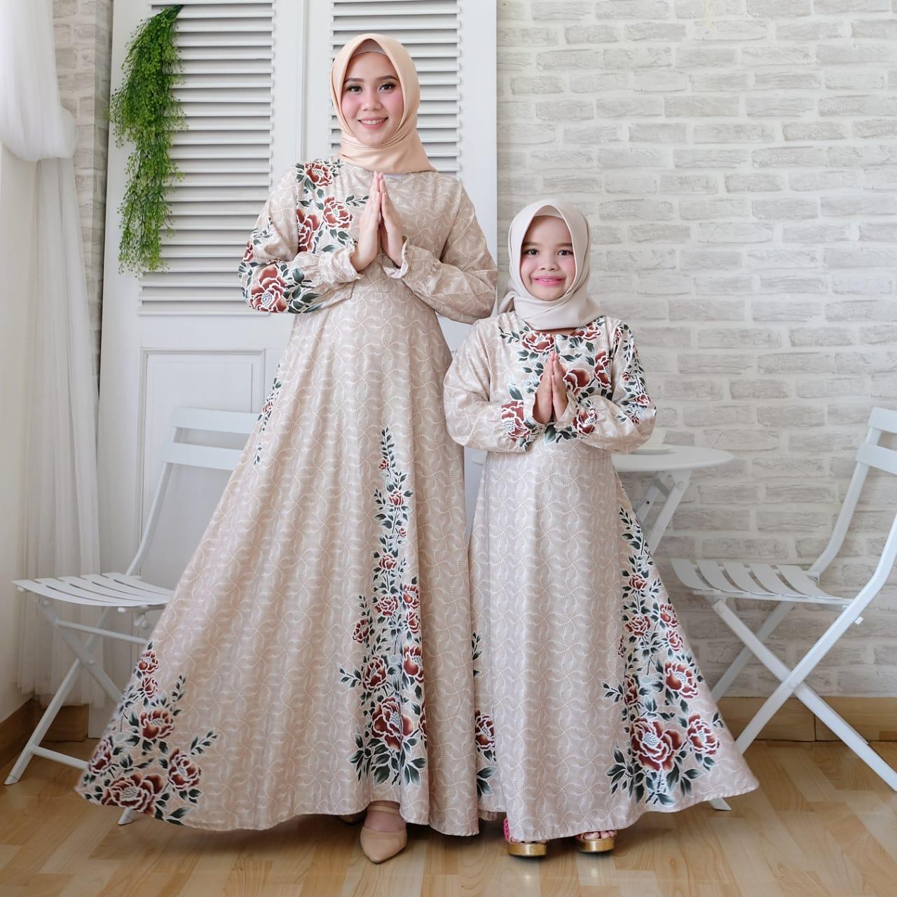 Model Gamis Batik Kombinasi Polos Terbaru 10