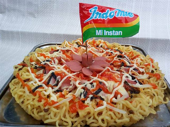 cara membuat pizza mie instan